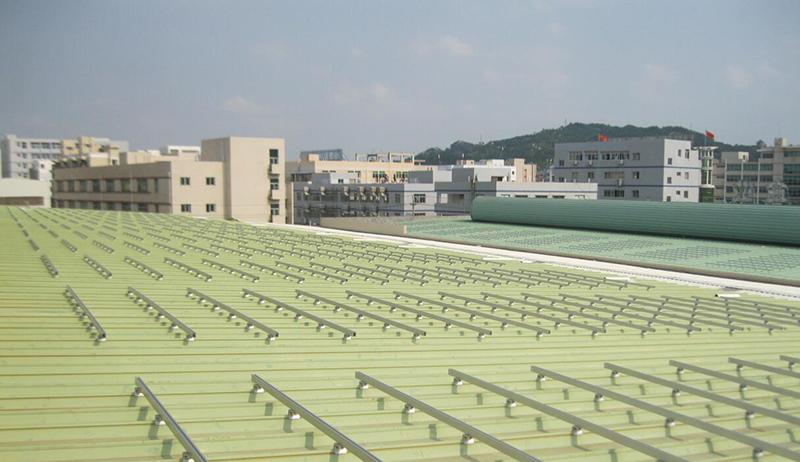 solar mounting with rail
